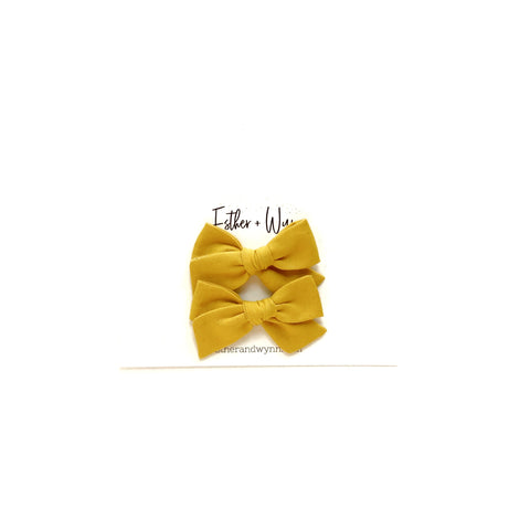 Solid Mustard Mini Pigtail Bow Set