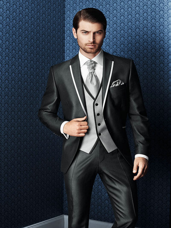 2017 Hot Sale Bespoke Men Suits Classic Slim Fit Black Wedding Dress Groom Tuxedos Prom Suits 3 Piece Men Wedding Suits