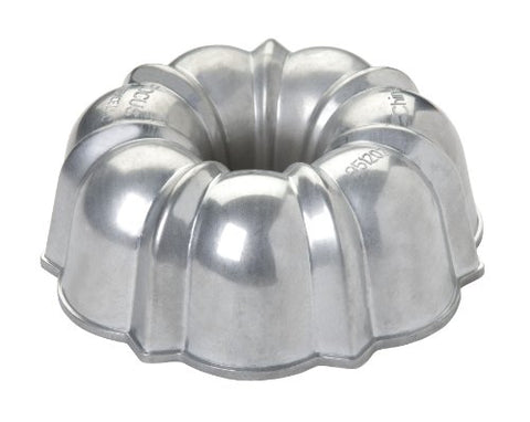 Focus Foodservice Commercial Bakeware 6-Cup Non-Stick Cast Aluminum Fluted Cake Pan