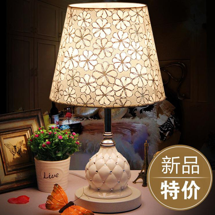 European ceramic table lamp bedroom bedside lamp modern minimalist fashion  dimming wedding LED decoration creative personality