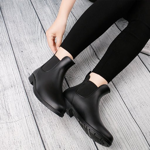 Style Contracted Tide Girl Boots Woman British Style Rivet Ankle Boots Martin Boots Autumn Winter 2018 New Rain Boot 4569