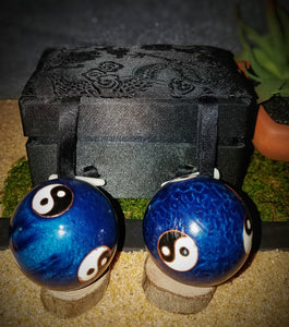Blue And Green Yin Yang Health Massage Balls With Sound