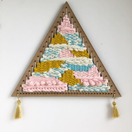 Medium Triangle Weaving