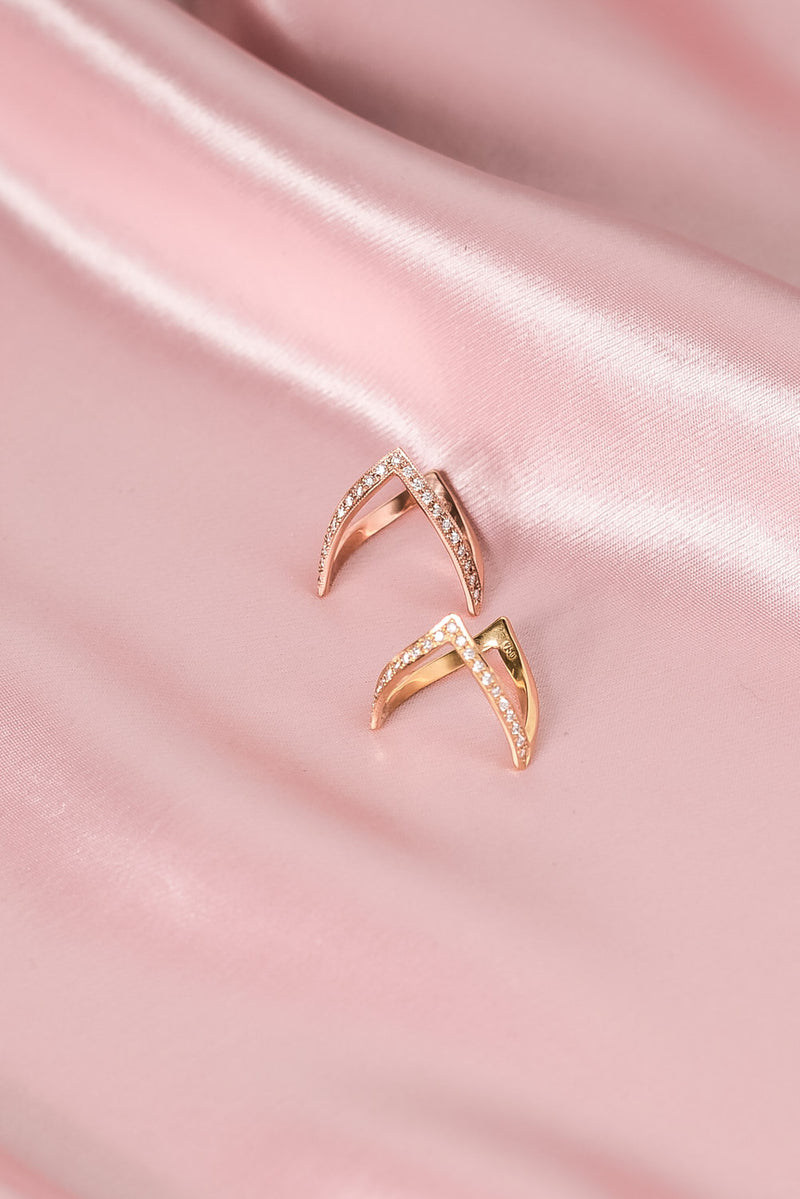 En Pointe Ring with Diamonds | Rose Gold