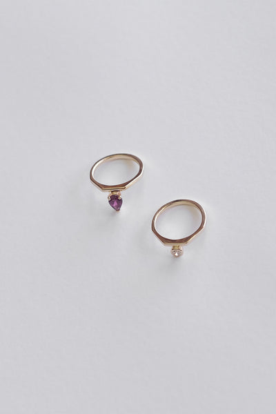 El Ring with Garnet | 9K Yellow Gold