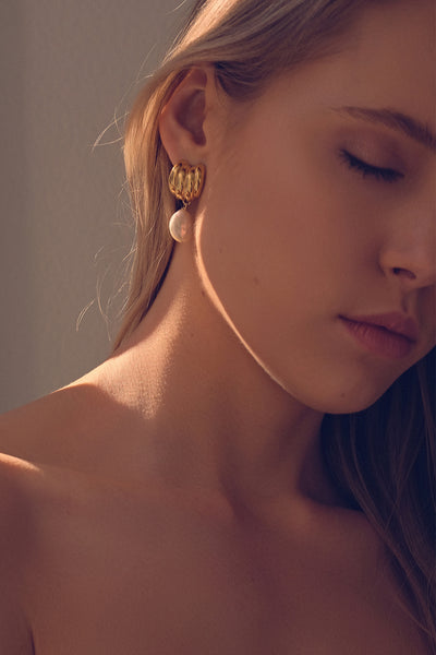 Jamie Pearl Earrings | Gold
