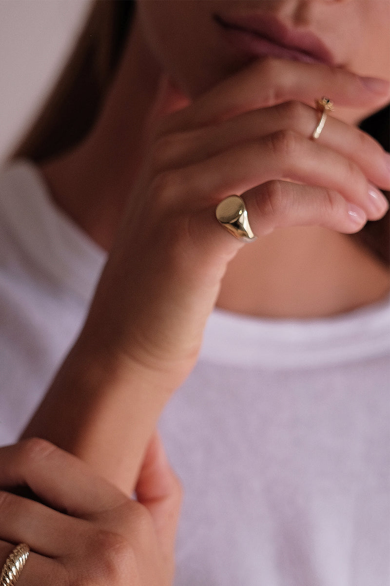 Signet Ring | 9K Yellow Gold