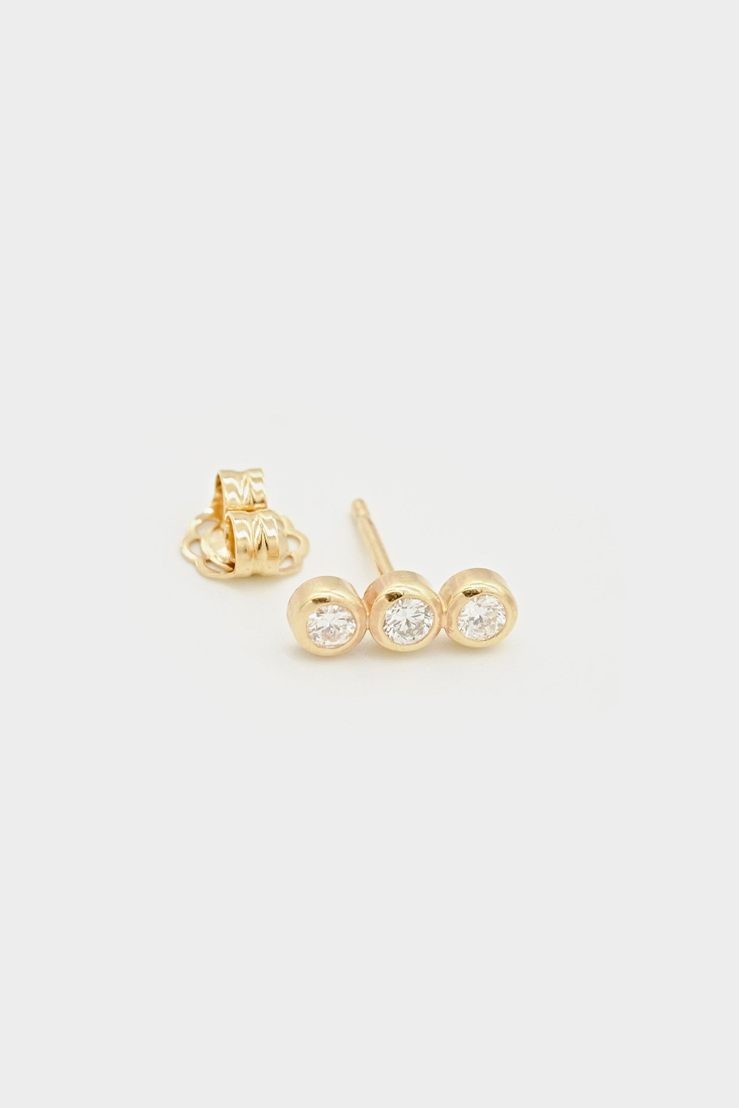 Sarah Triple Diamond Stud | Yellow Gold
