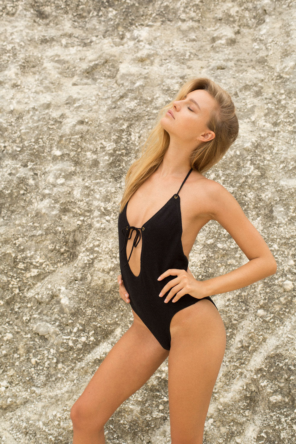 SOLAR V2 ONE PIECE - BLACK