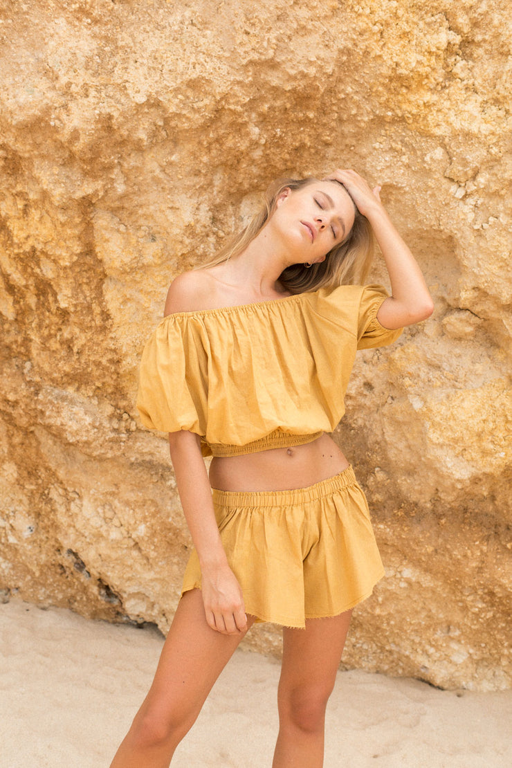 WILD FLOWER SHORTS - GOLDEN