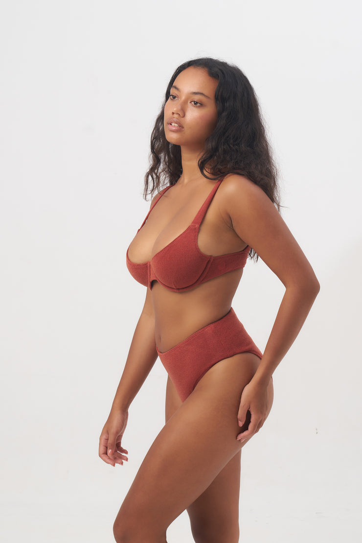 Earth Bikini Red earth  In Your Arms