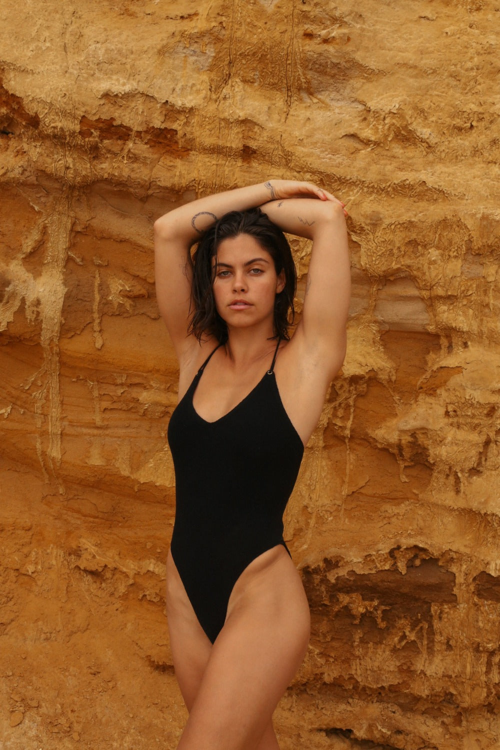 SOLAR ONE PIECE - BLACK