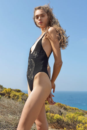 GRAVITY ONE PIECE - BLACK