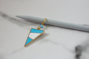 Deluxe Blue Mod Triangle Stitch Marker
