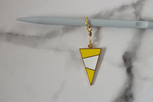 Deluxe Yellow Mod Triangle Stitch Marker