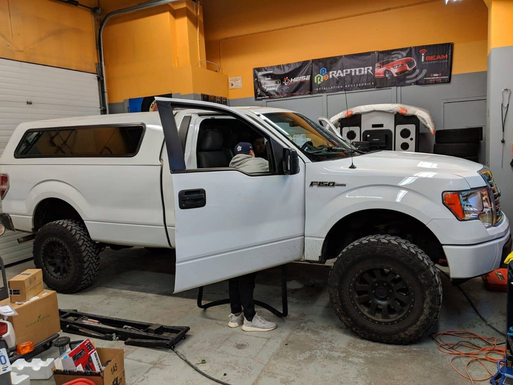 Ford F-150 XL Regular cab sound system