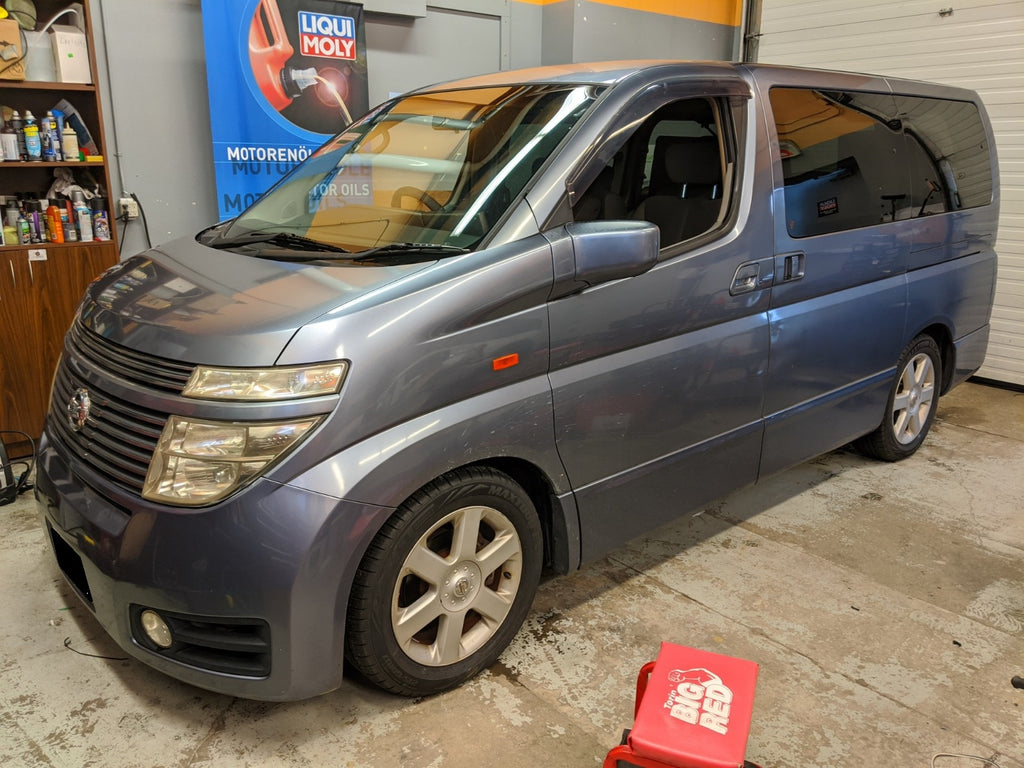 Nissan Elgrand Overdrive car audio jdm