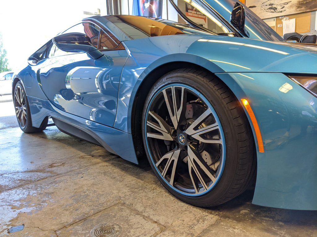 BMW i8 sky blue alloygator wheel protectors