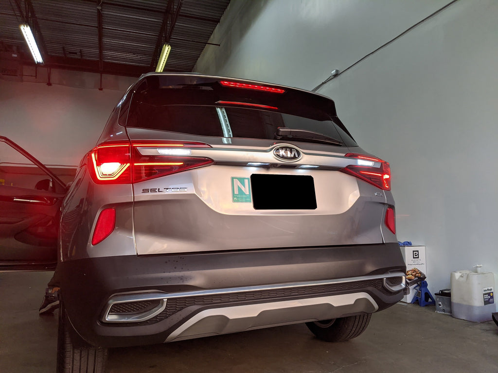 Kia Seltos reverse and license plate led