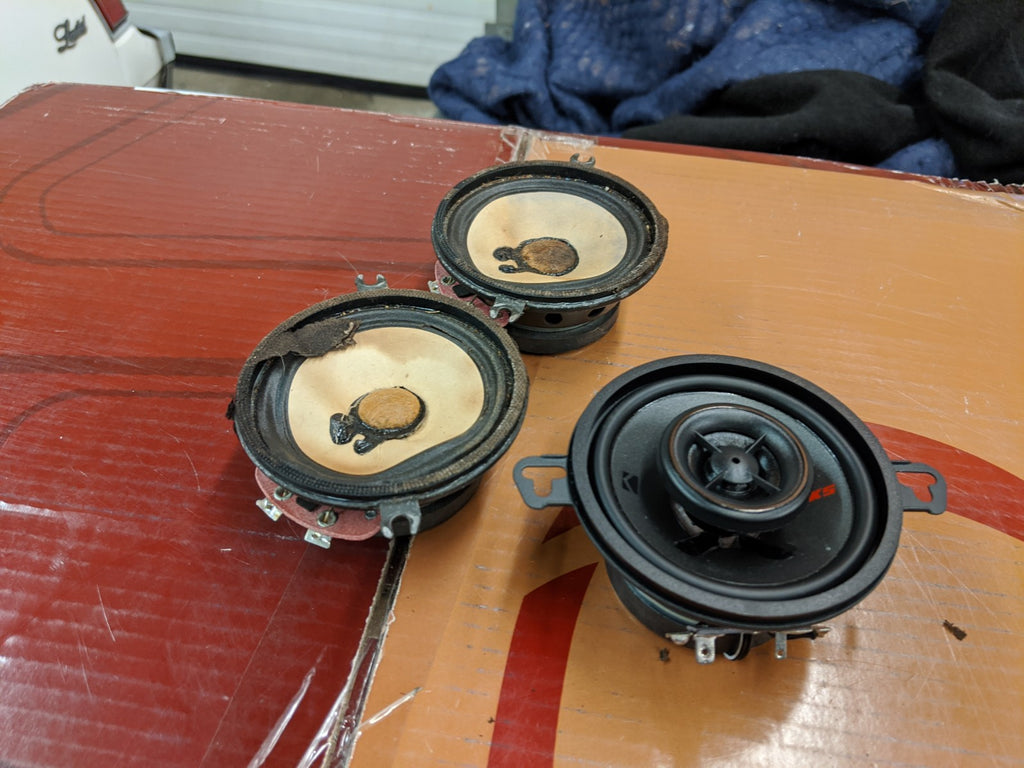 "Kicker 3.5"" speakers Buick Regal"