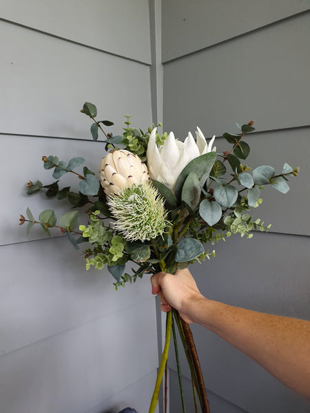 Premium King Protea Bouquet (Cream)