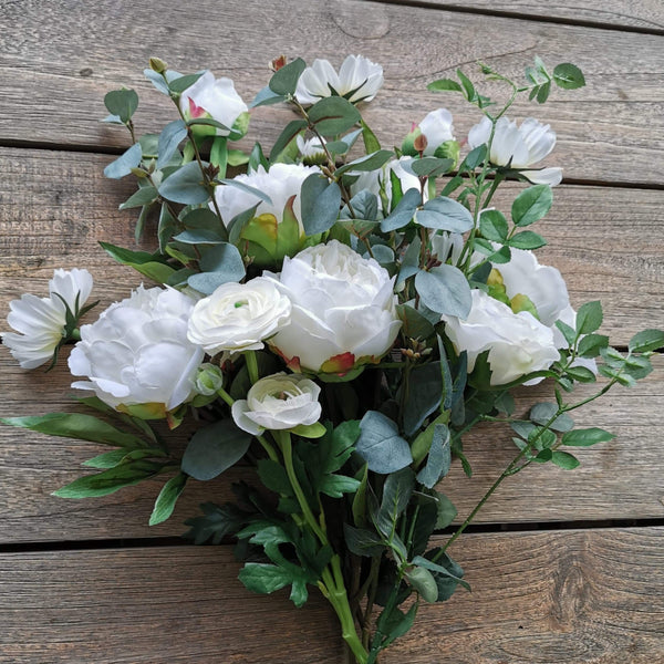 Deluxe Garden Bouquet in White