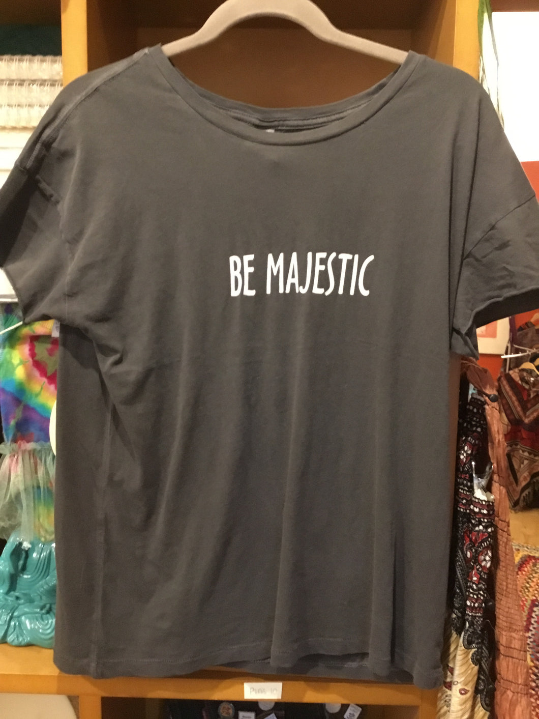 "Grey ""Be Majestic"" T-shirt"
