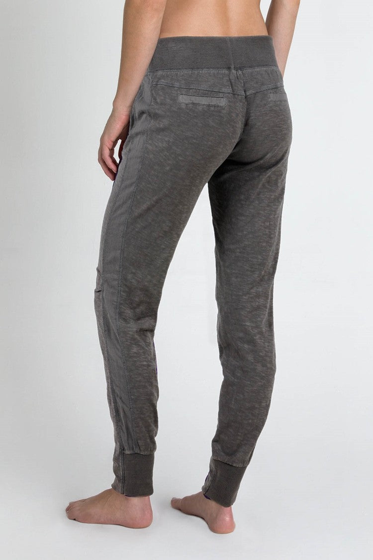 Compass Workout Pant - Charcoal