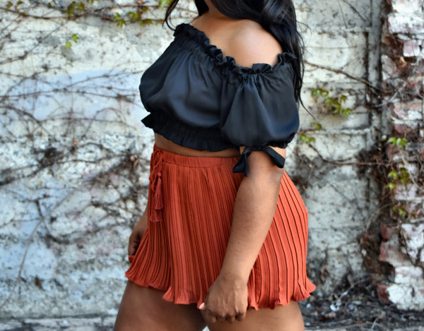 RUFFLE MY FEATHERS  |   CROP TOP