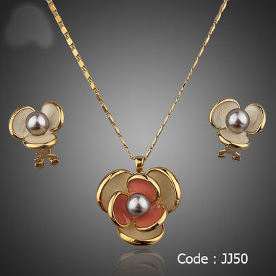 Gold Color Flower Design jewelry Set