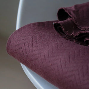 REMNANT 0.43 meter Mind The MAKER - Organic Chevron Quilt Knit Bordeaux 160cm wide