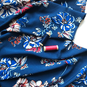 Floral Eve Rayon / Viscose (Navy)