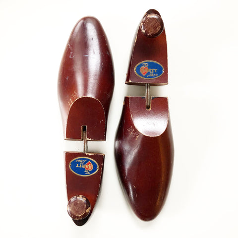 Set of Shoe Forms Vintage Reddish Wood The Hartt Shoe Branded
