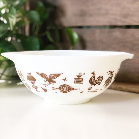 Vintage Pyrex Early American Mixing Bowl 2.5 qt