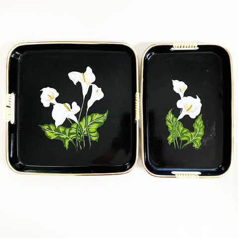 Set of 2 Laquerware Iris Serving Trays