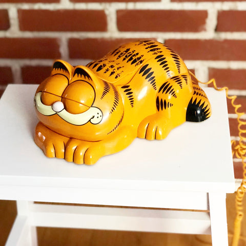 Retro Garfield Telephone