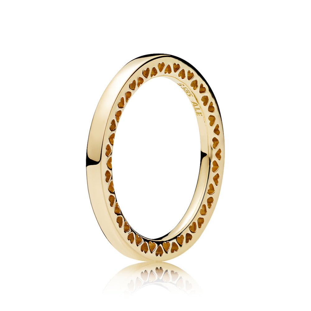 Ring in 14k gold with cut-out hearts