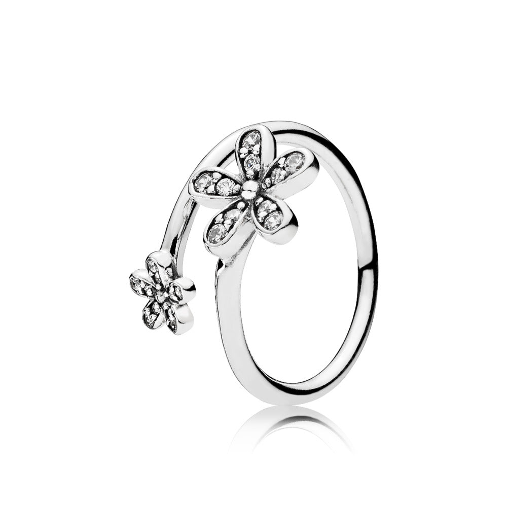 A Dazzling Daisies Ring by Pandora