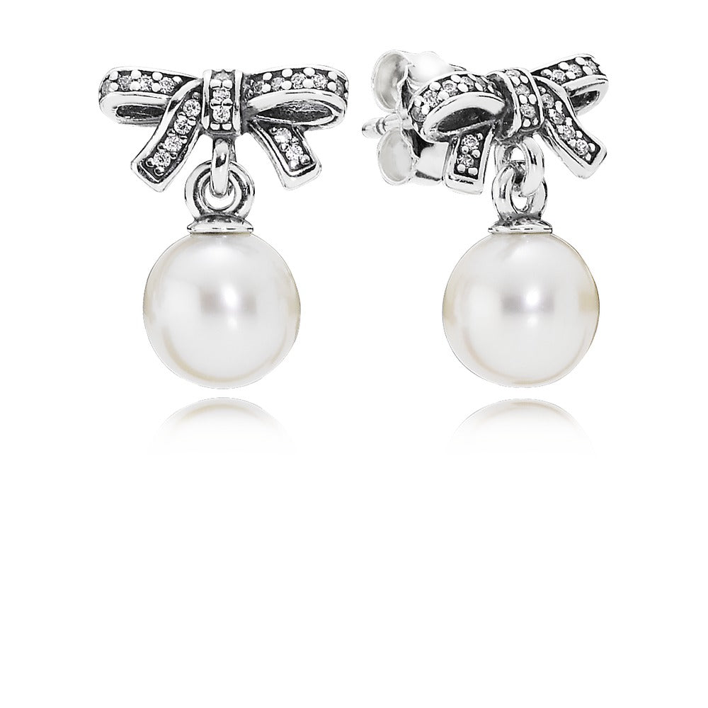 Delicate Sentiments white pearl earrings by Pandora.