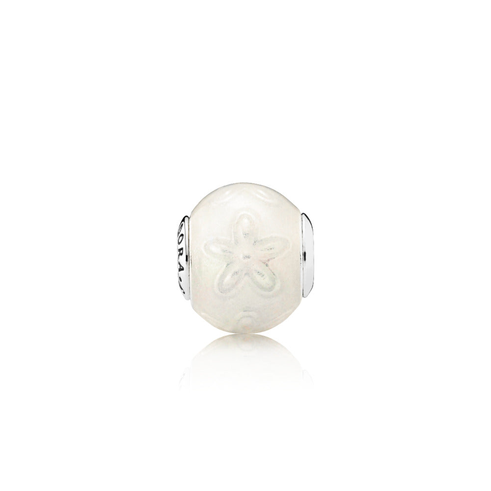 JOY ESSENCE COLLECTION charm in sterling silver with daisy pattern and transparent shimmering white enamel