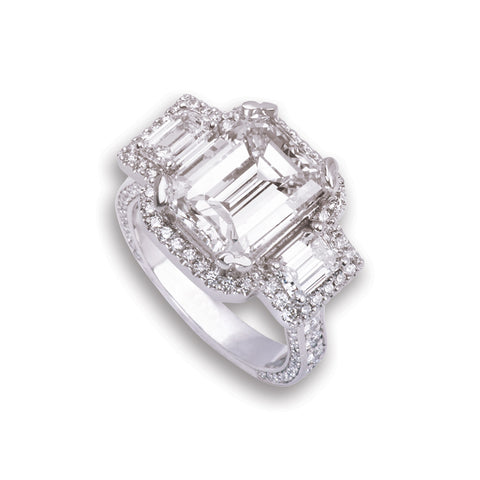 Stunning 18K White Gold Emerald-Cut Diamond Ring