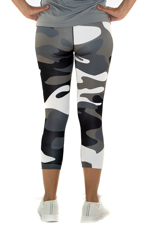 Youth/Junior's Capri Leggings Camo