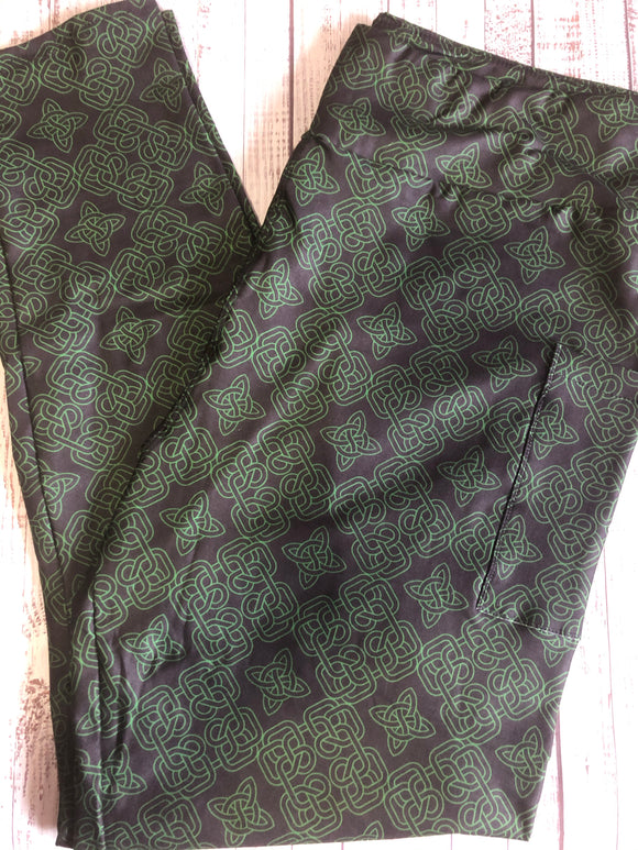 Celtic Knots with pockets - Alonna's Legging Land
