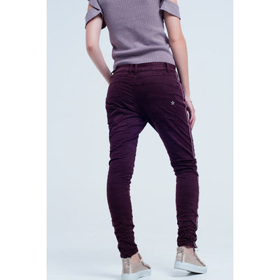 Boyfriend Burgundy Jeans With Side Band - Miraposa
