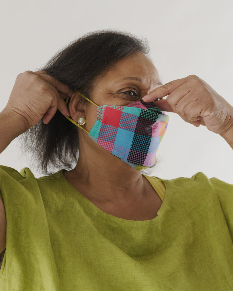Baggu Fabric Mask Set Loop in Madras Mix