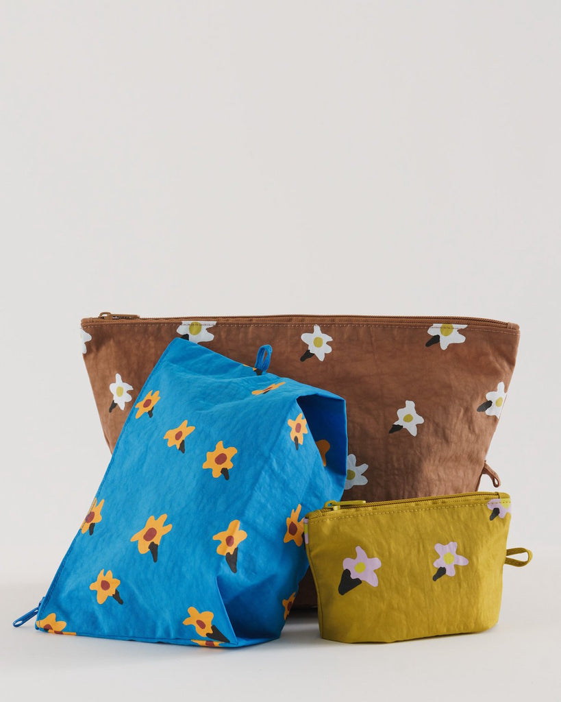 Go Pouch Set in Painted Daisies