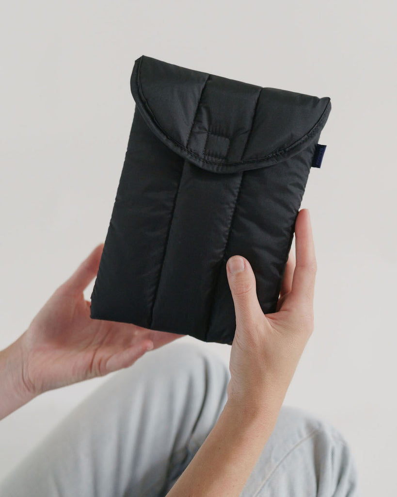 "Baggu Puffy Tablet Sleeve 8"" in Black"