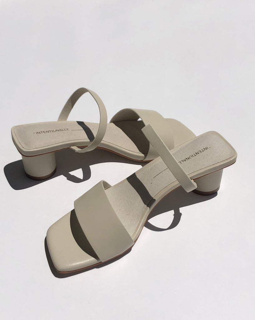 Intentionally Blank HAMP Sandal in Cream