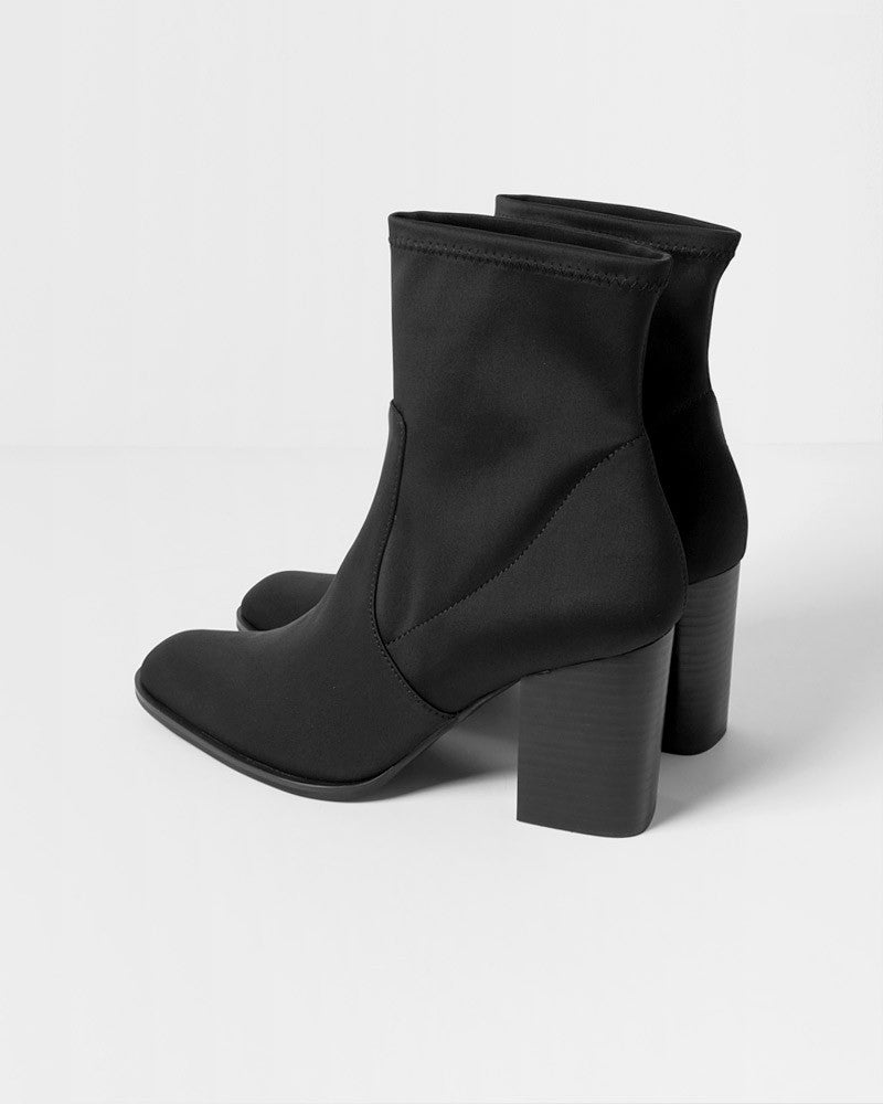 Intentionally Blank Janet Scuba Boots