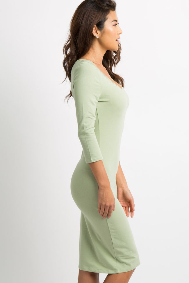 Green 3/4 Sleeve Fitted Dress